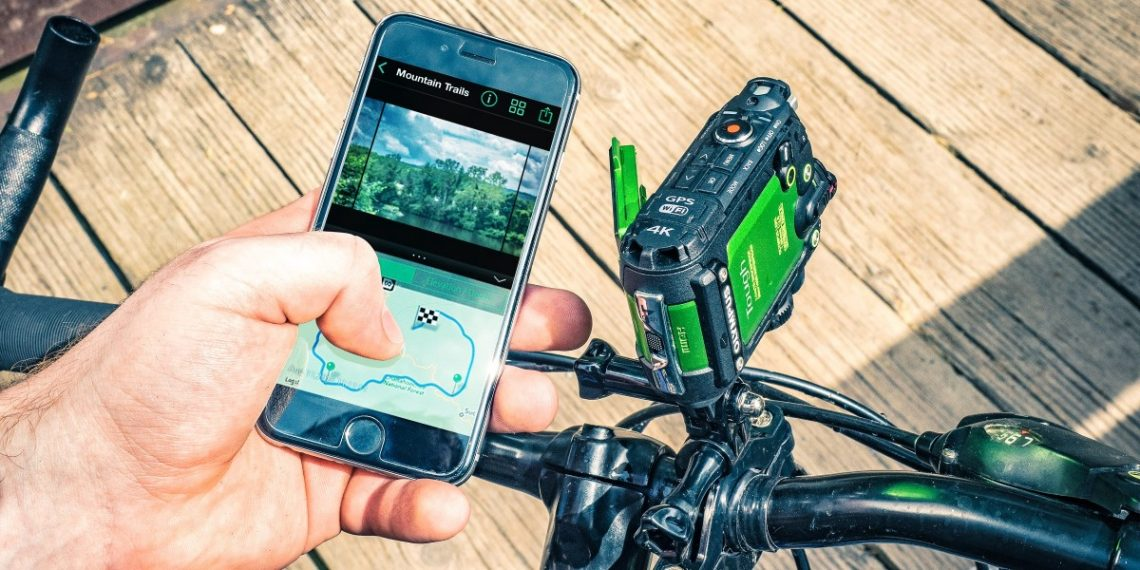 concurrent à la gopro, la caméra Olympus TG Tracker